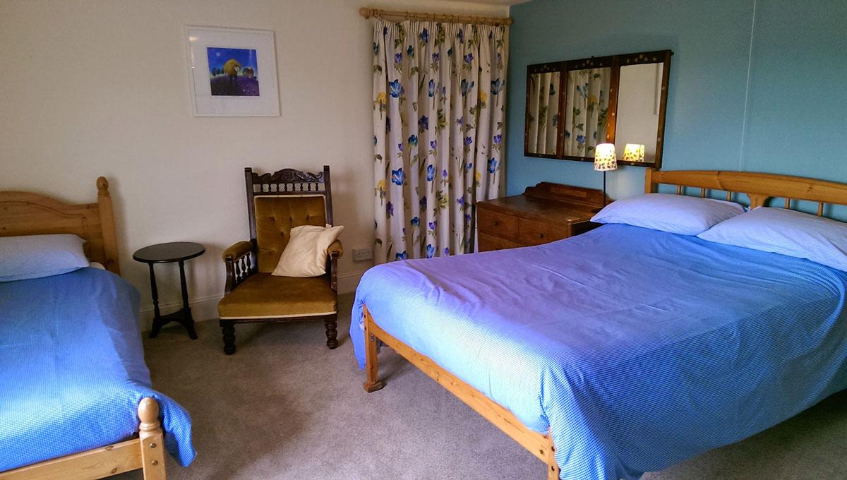 gallery-bedroom-blue-1
