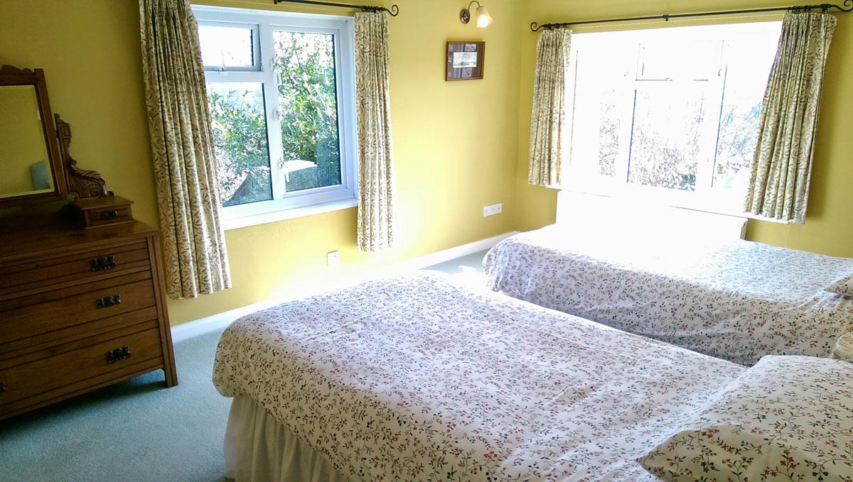 gallery-bedroom-floral-1